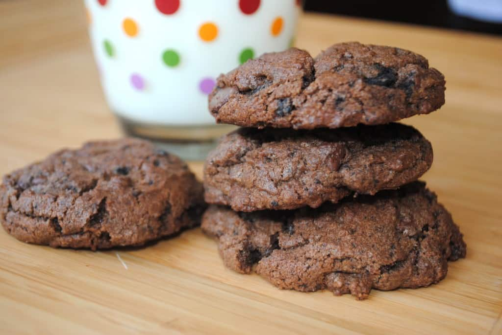 Double Chocolate Oreo crunch cookies from www.shugarysweets.com