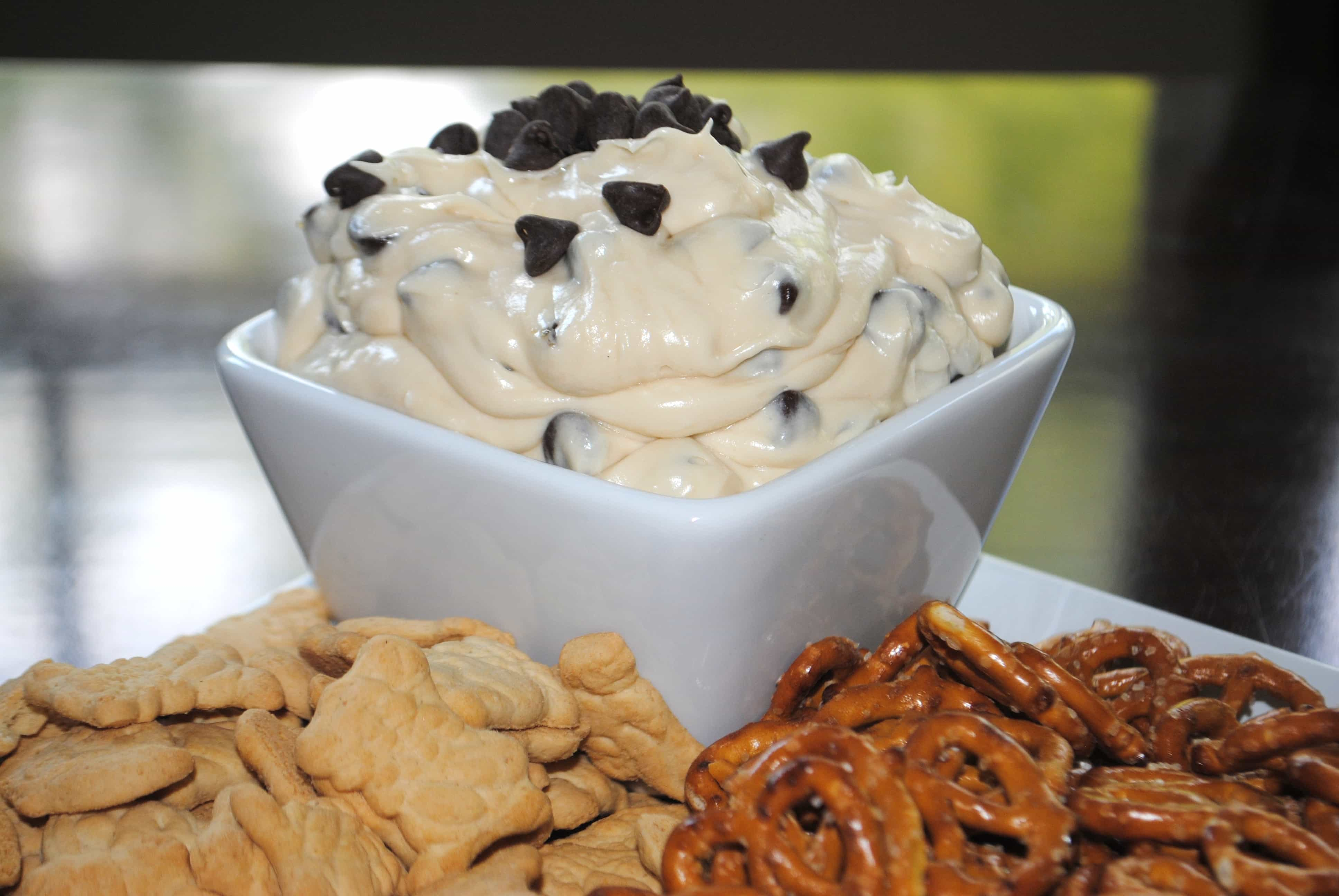 Chocolate Chip Cookie Dough Dip from www.shugarysweets.com