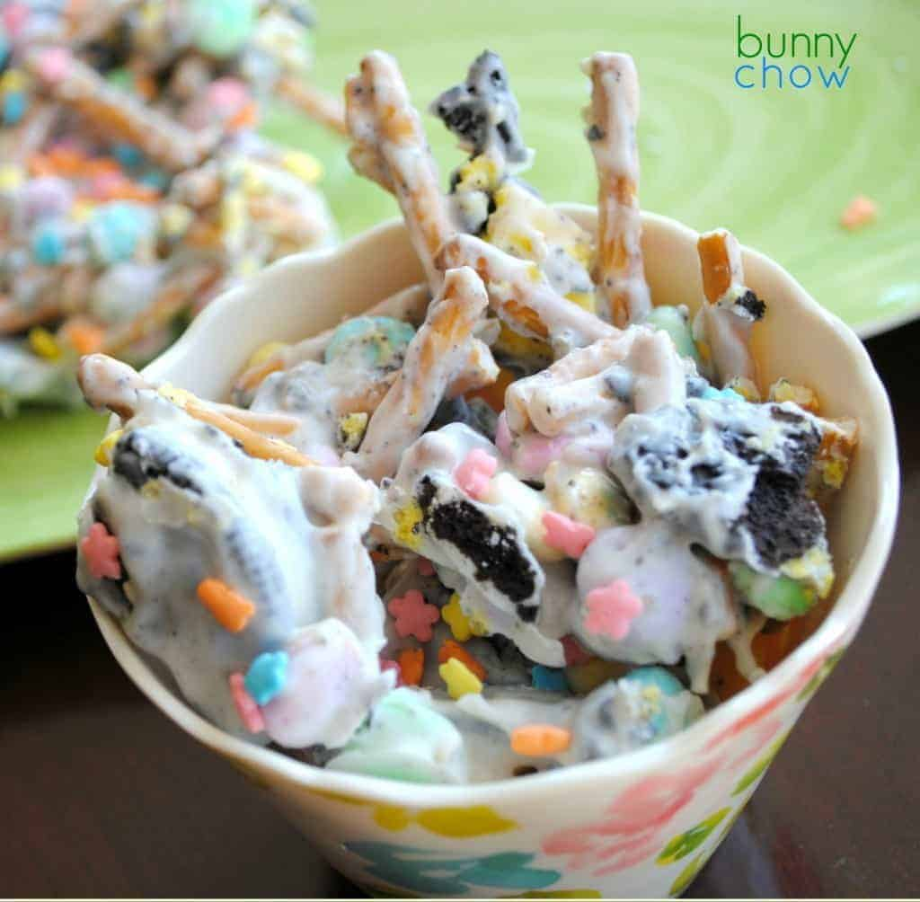 Easy bunny chow candy made with pretzels, oreos, candy and white chocolate