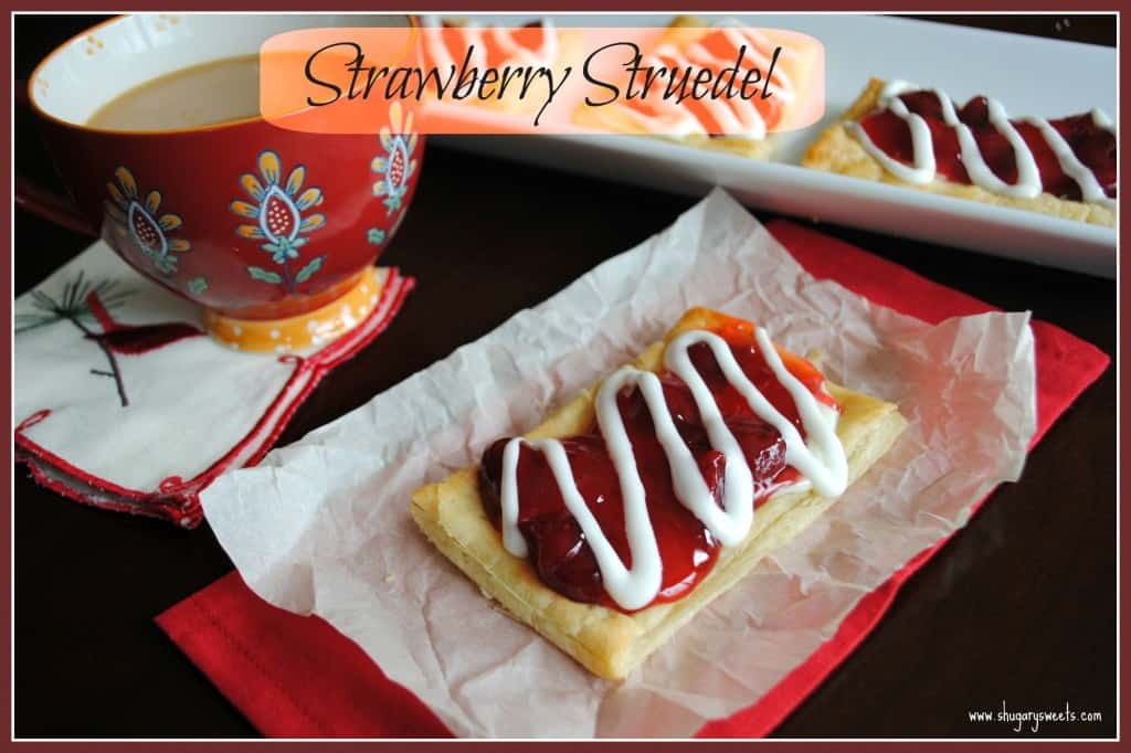 Strawberry Struedel: this homemade toaster struedel recipe gives Pillsbury a run for their money, and it's so easy!