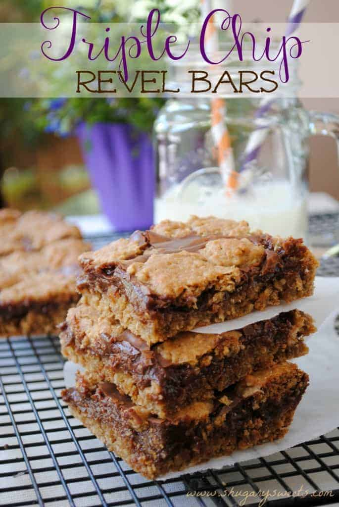 Triple Chip Revel Bars: sweet oatmeal cookie bars with a fudgy center!