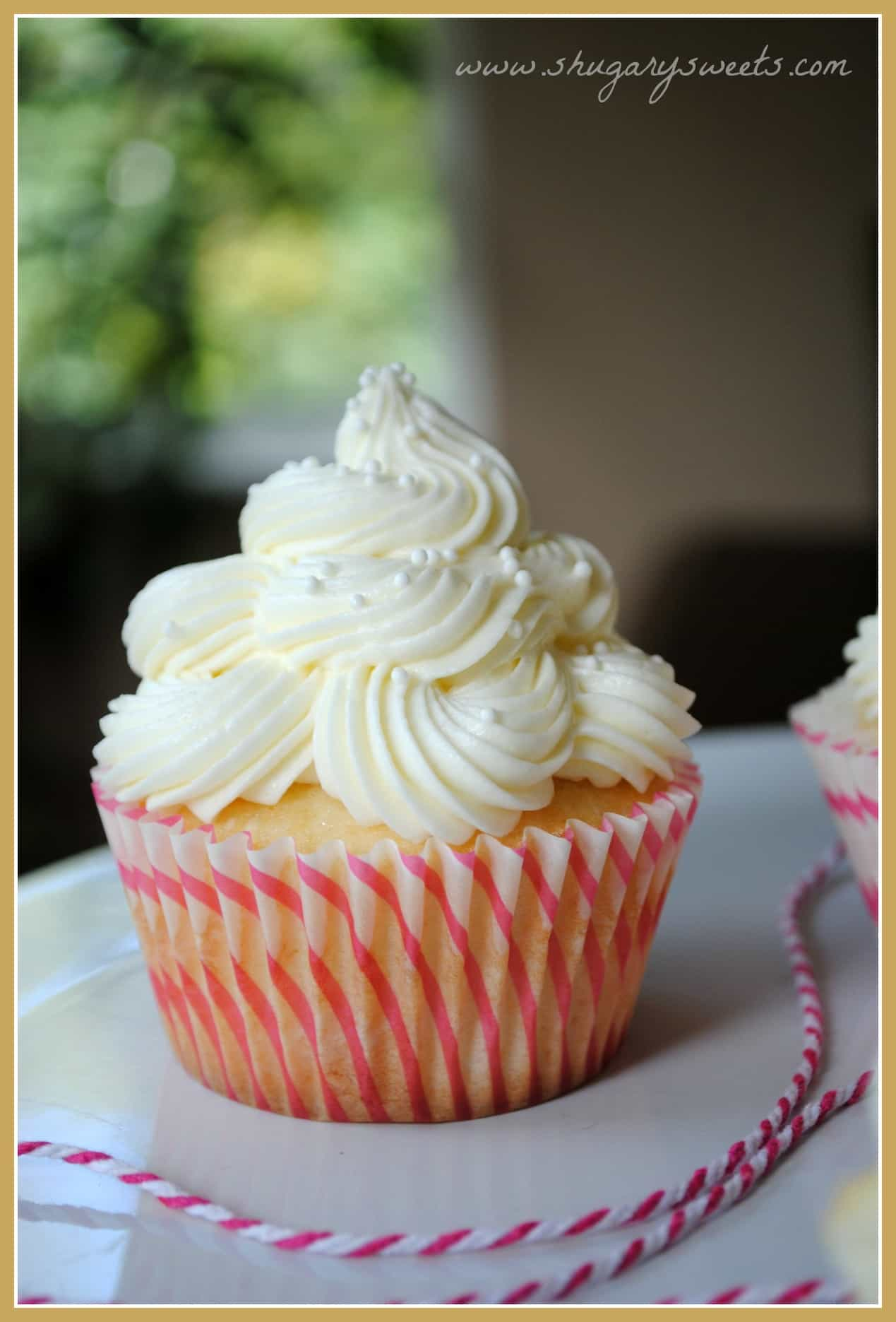 Almond Wedding Cake.Almond Wedding Cake Cupcakes With Raspberry Filling Shugary Sweets