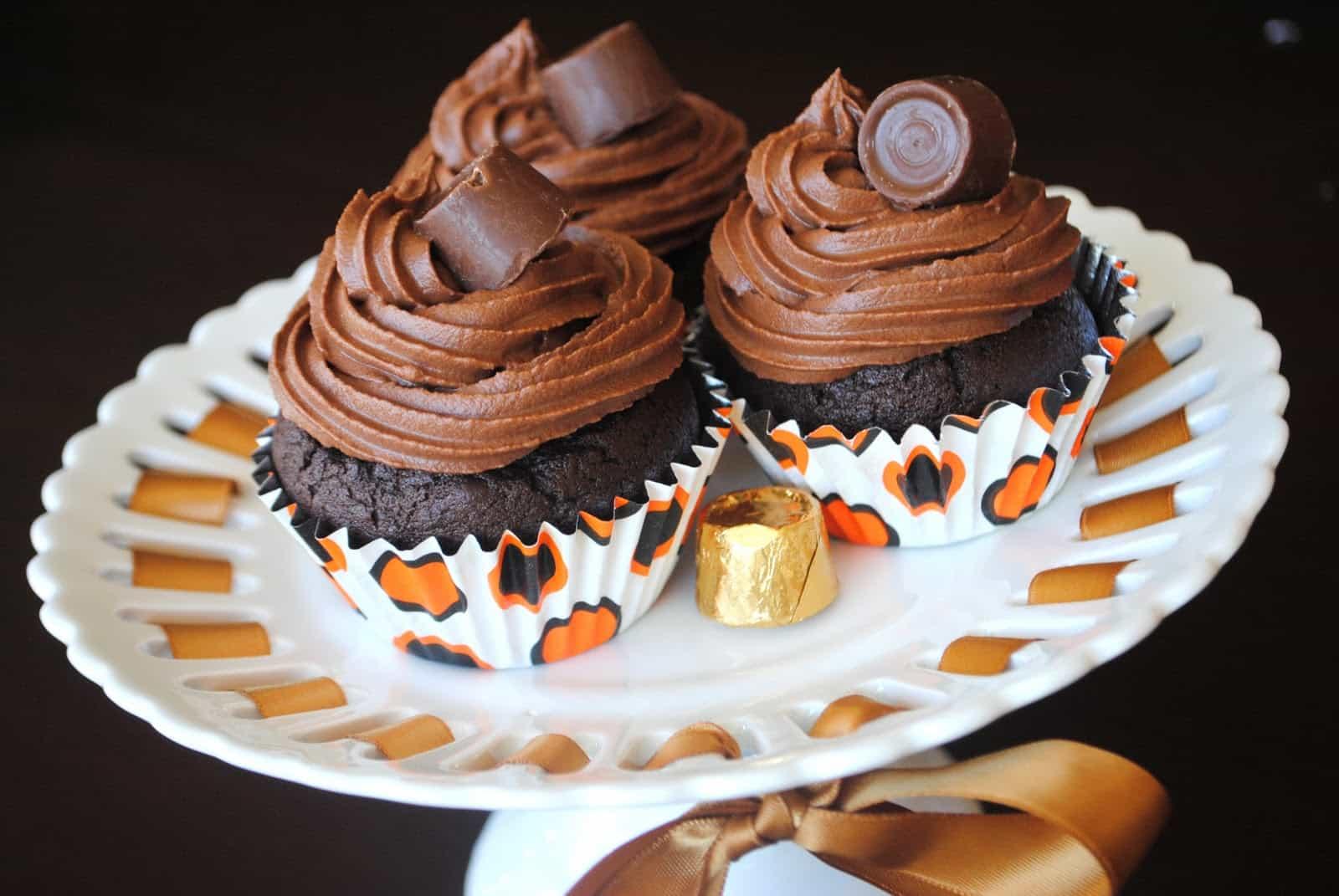 Chocolate Rolo Cupcakes - Shugary Sweets