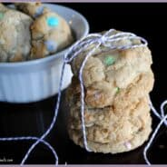 White Chocolate Oreo Cookies from www.shugarysweets.com #oreo