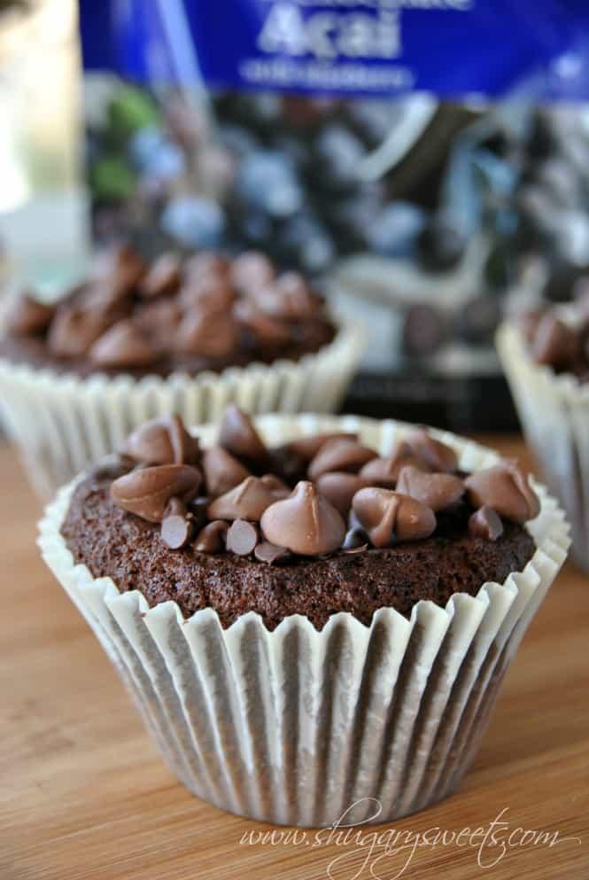Bakery Style Double Chocolate Muffins: rich, moist chocolate muffins with dark chocolate acai and blueberry! #chocolatemuffins #copycat @brookside_choc