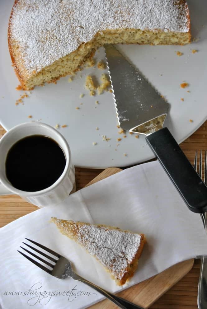 Lemon Chia Breakfast Cake: delicious, moist lemon coffee cake with chia seeds! perfect for brunch #lemon #chiaseeds @shugarysweets