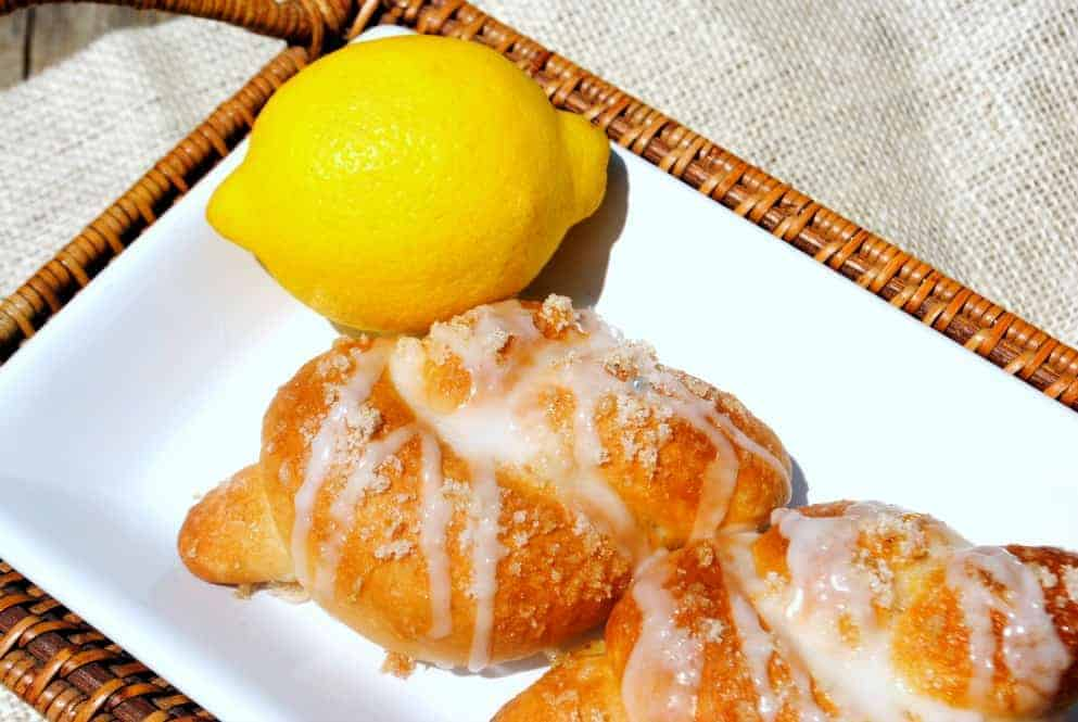 Lemon Knots from www.shugarysweets.com
