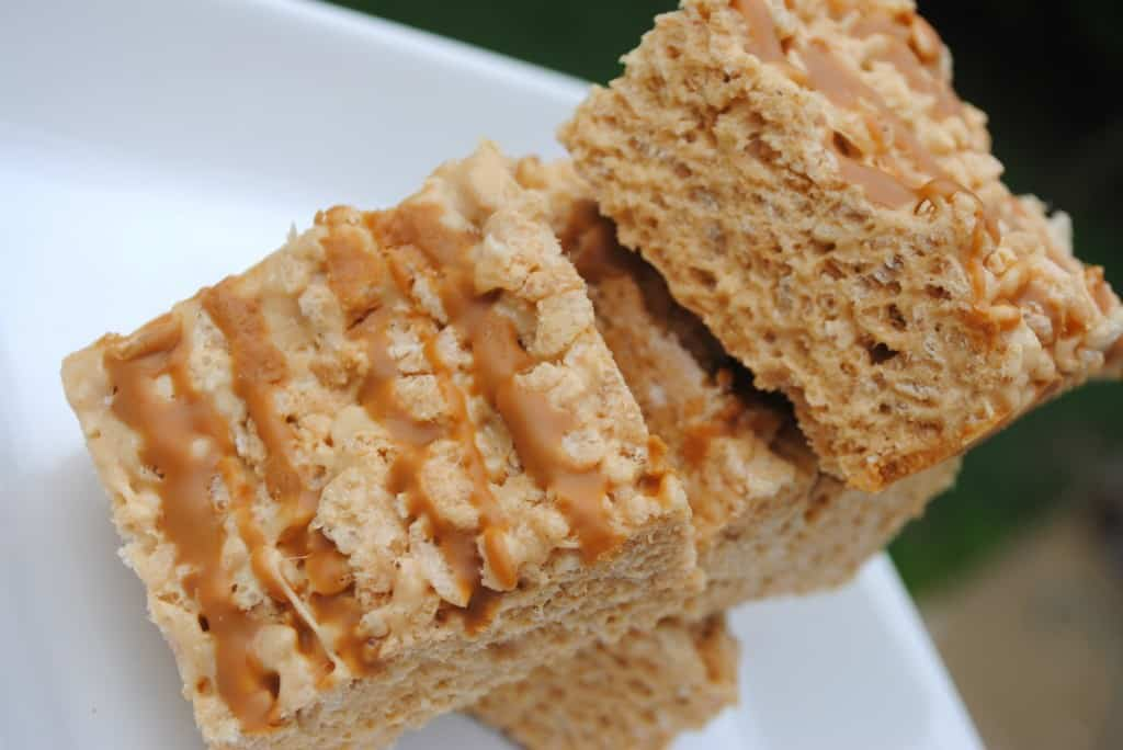 Biscoff Rice Krispie Treats from @shugarysweets