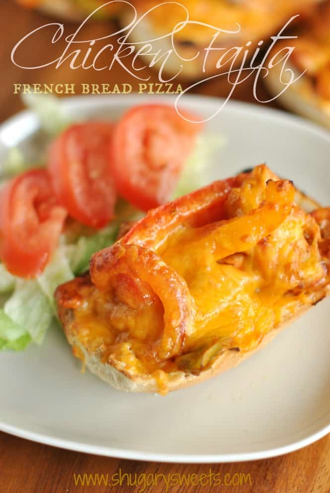 Chicken Fajita French Bread Pizza: quick and delicious dinner idea #inspiremydinner @shugarysweets