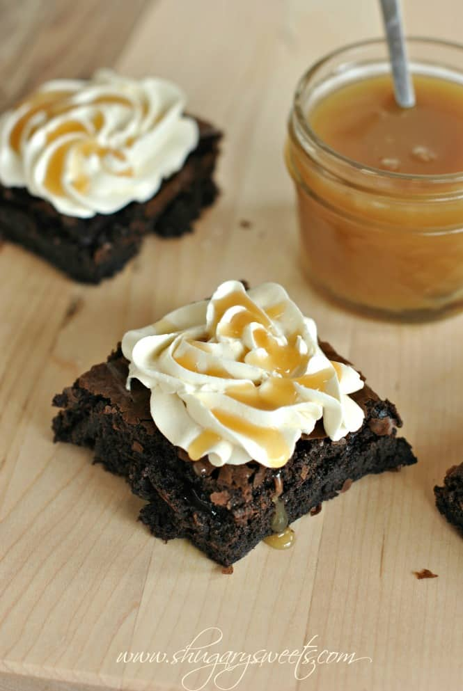 chocolate-brownies-with-caramel-frosting-2