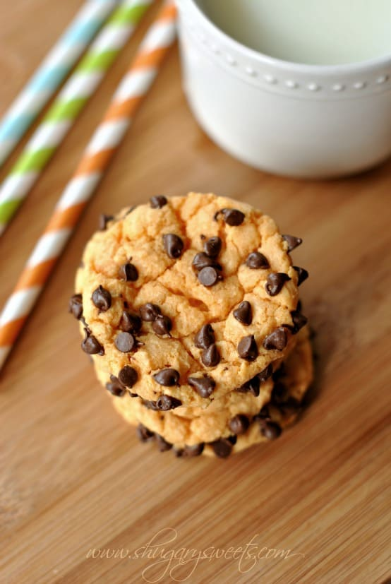 Chocolate Orange Cookies: Orange Cake mix cookies rolled in mini Chocolate morsels! Irresistible combo! #cakemix #duncanhines