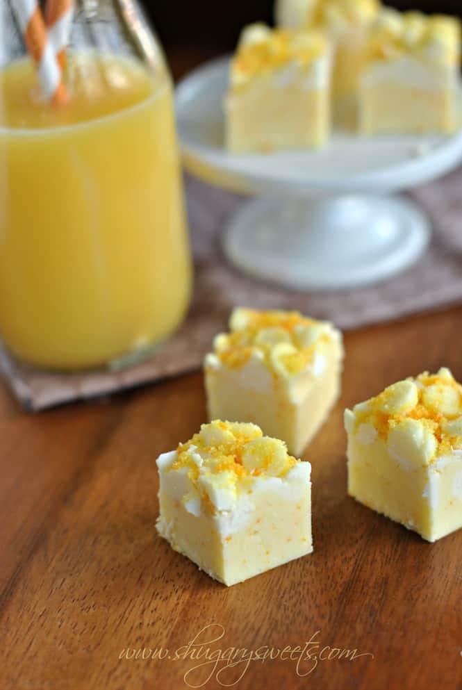 Orange Julius Fudge: creamy orange fudge with a copycat Orange Julius twist! #orange #fudge
