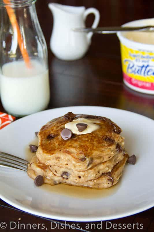 Oatmeal-Chocolate-Chip-Pancakes-2