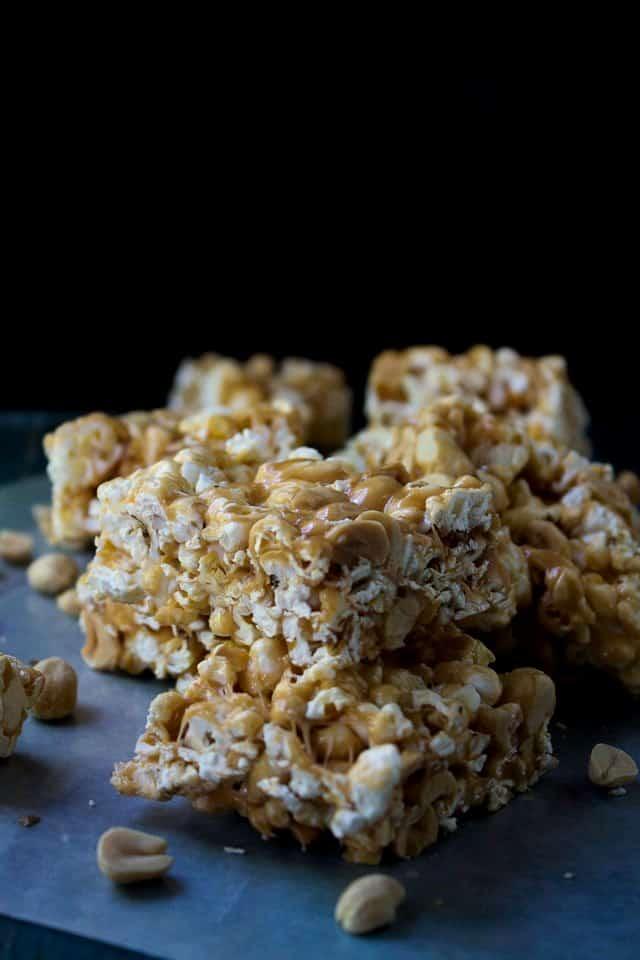 Peanut-Butter-Marshmallow-Popcorn-Bars-Netflix