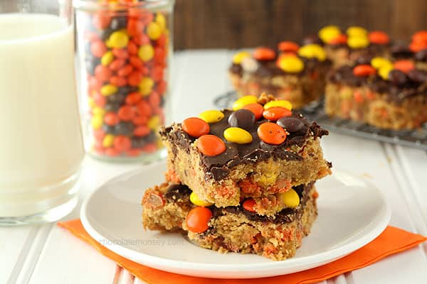 Reeses-Pieces-Chocolate-Peanut-Butter-Blondies-4260