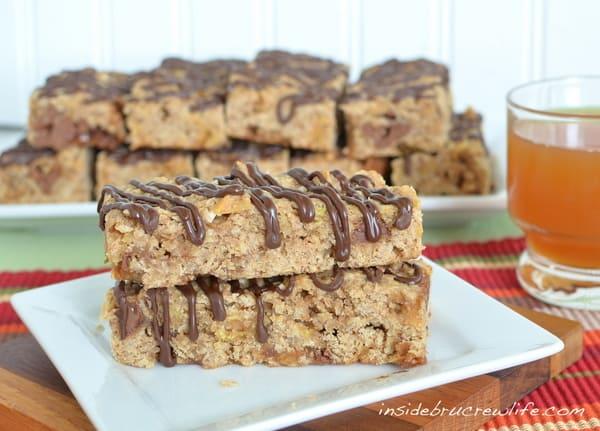 caramel-apple-granola-bars