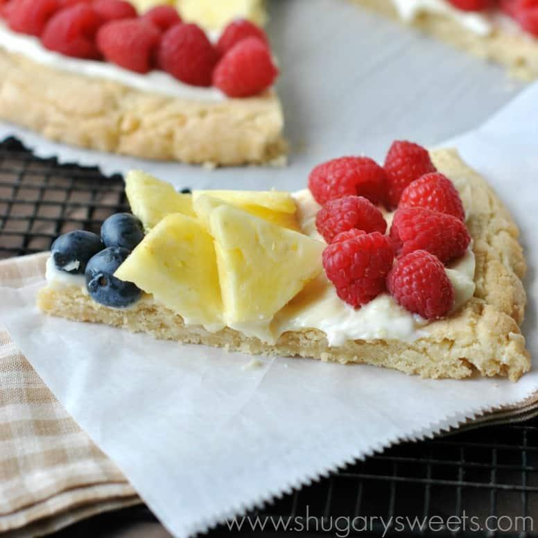 macadamia-white-chocolate-fruit-pizza-2