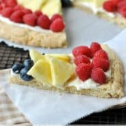 macadamia-white-chocolate-fruit-pizza-3