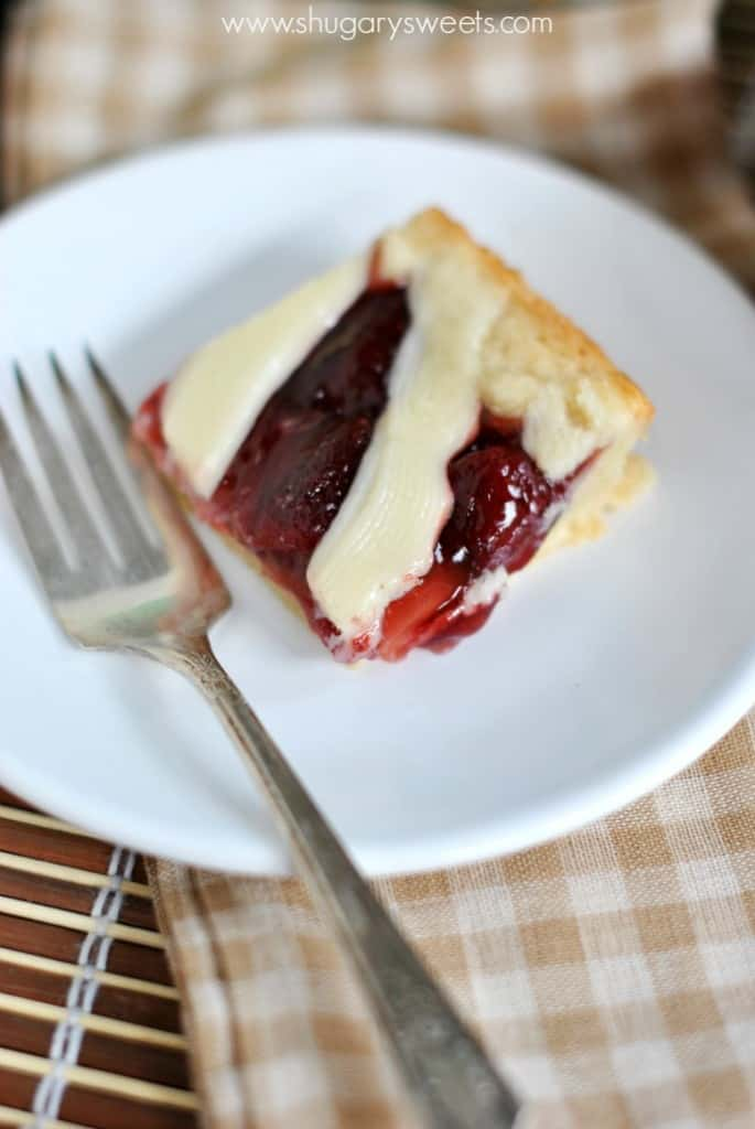 Strawberry Pie Bars: no crust to roll out, easy, delicious pie in a bar form! With a cream cheese glaze too