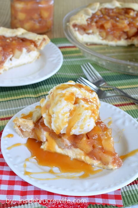 Cheesecake-Apple-Pie-2