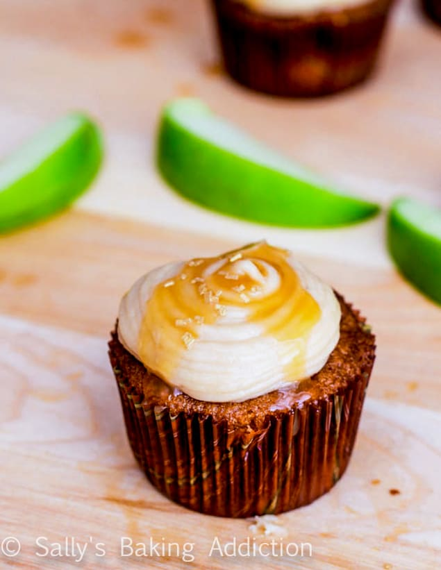 apple-spice-cupcakes-with-salted-caramel-frosting-2
