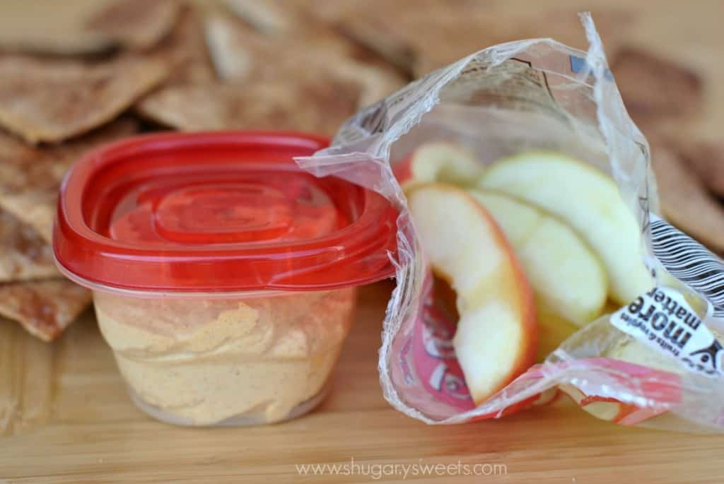 Pumpkin Pie Dip: creamy pumpkin dip made with Greek yogurt! A healthy, delicious snack served with baked cinnamon chips!