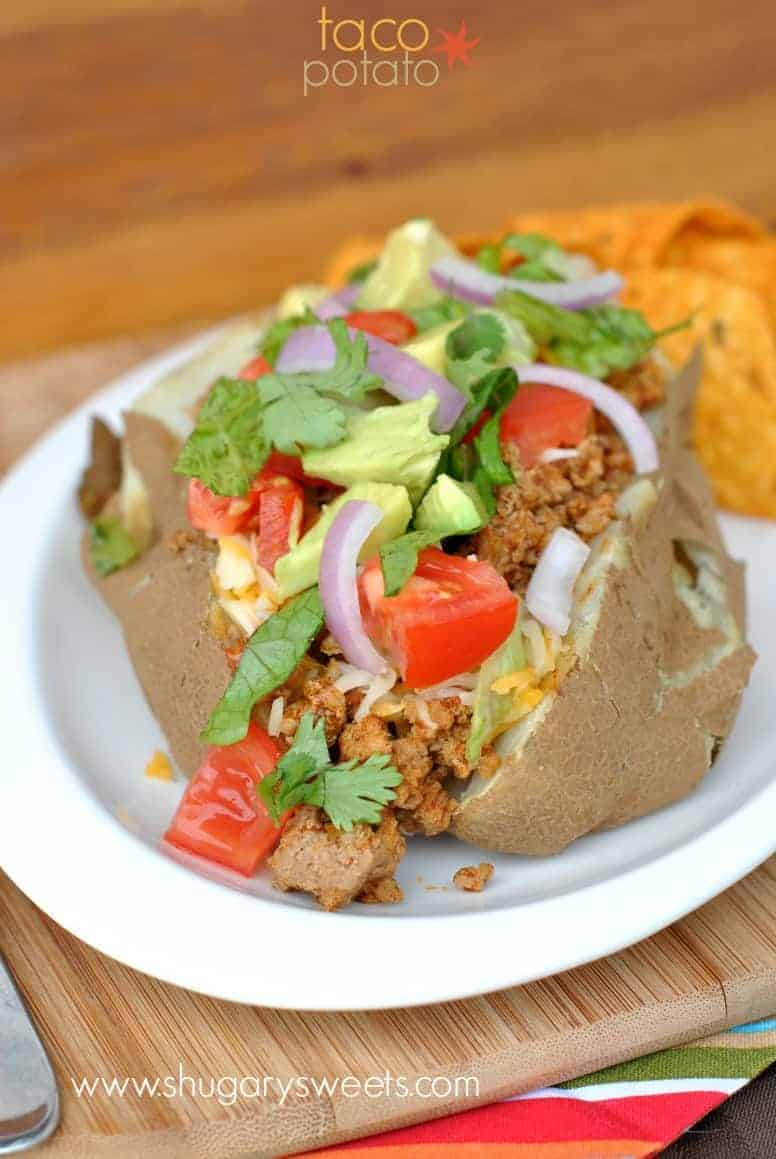 Baked Potatoes Topped With Taco Seasoned Ground Turkey And All The Fixings Easy Delicious Dinner