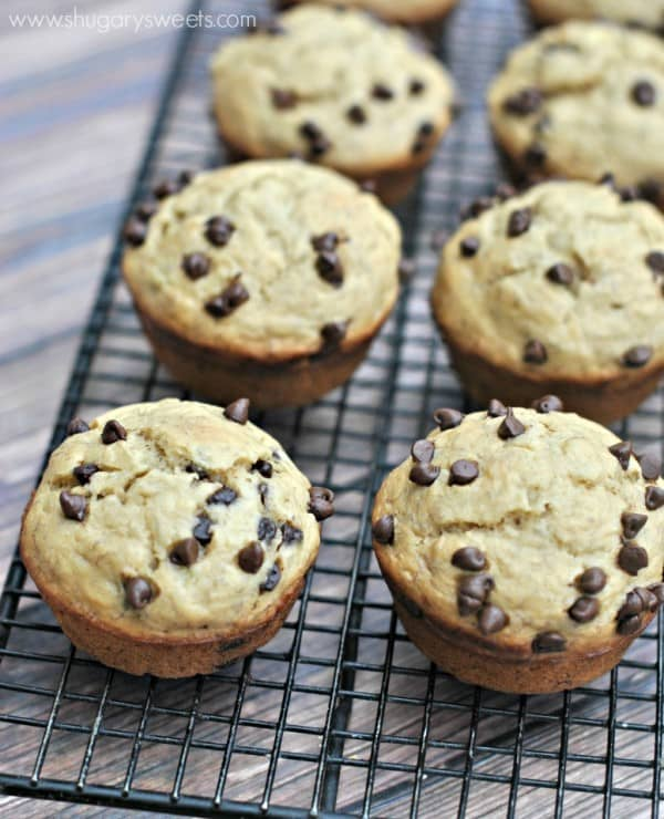 skinny-banana-chocolate-chip-muffins-3
