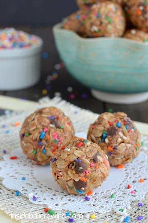 Skinny-Peanut-Butter-Granola-Bites-2 (1)