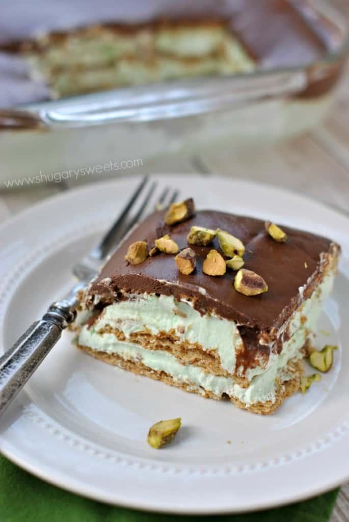 Pistachio Eclair Cake: an easy recipe for a no bake eclair cake!