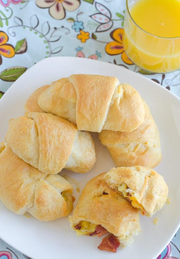 Bacon-Egg-Cheese-Breakfast-Roll-Ups-3