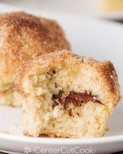 nutella-stuffed-cinnamon-sugar-muffins-7