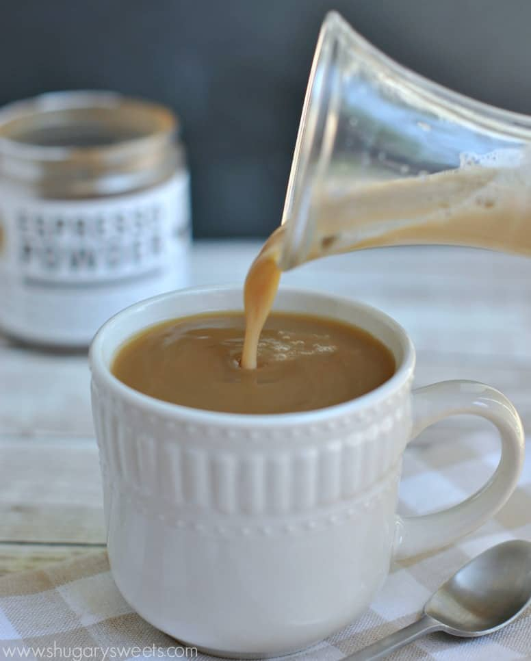 Homemade Caramel Macchiato Coffee Creamer: so easy to make at home, and DELICIOUS too!