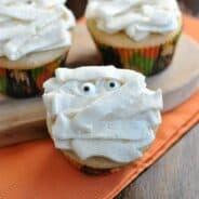 vanilla-bean-cupcakes-5