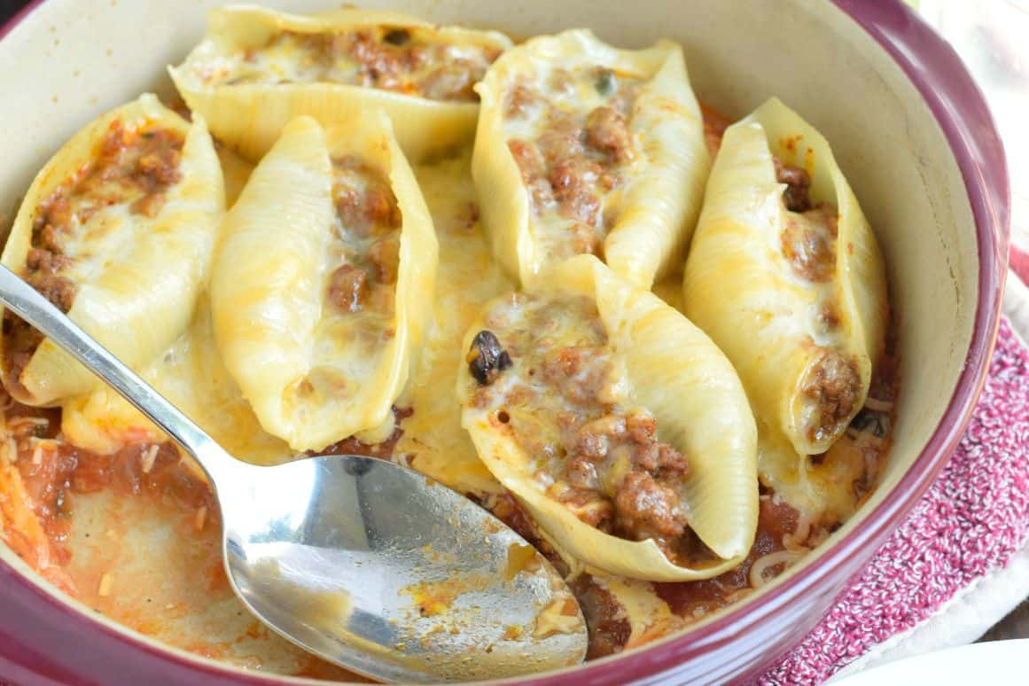 If you love easy, delicious dinner ideas, these Stuffed Taco Shells ...