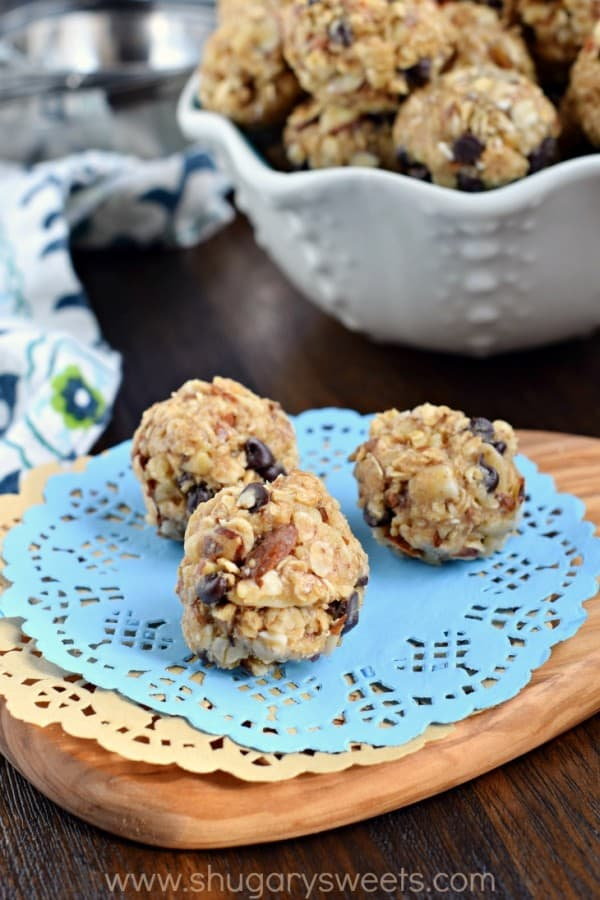 Whether you are looking for a post workout snack, or an on-the-go breakfast, these Nutty Granola Bites are packed with flavor and protein!