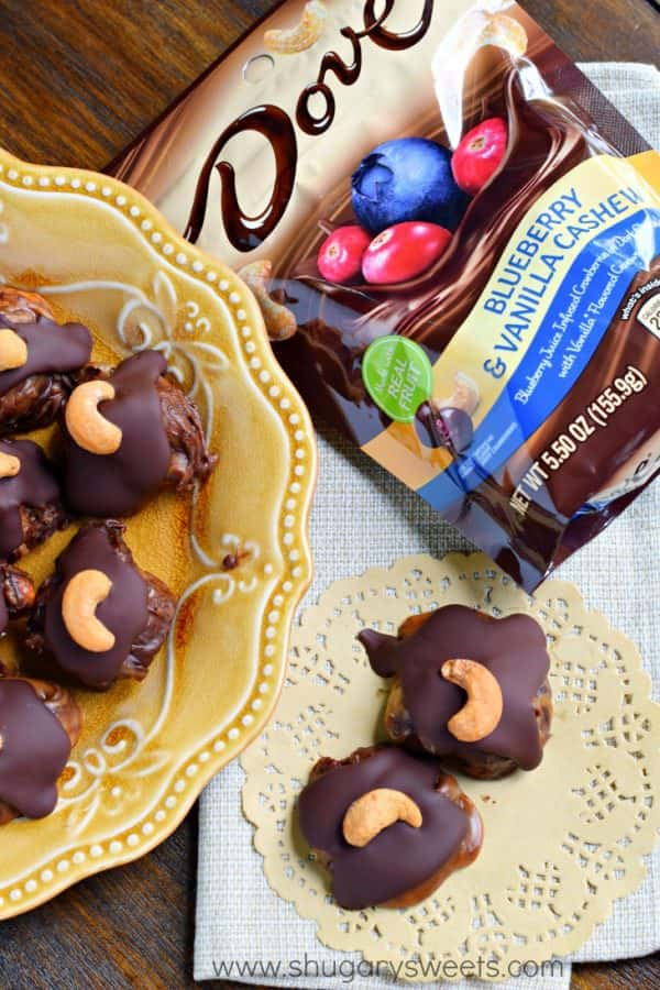 Sweet and salty, these no bake Blueberry Cashew Caramel Clusters with DOVE Chocolate are going to be your new, go-to summer treat! The buttery smooth caramel with the chocolate covered Blueberries are amazing. The crunch of cashews gives this treat the perfect texture!
