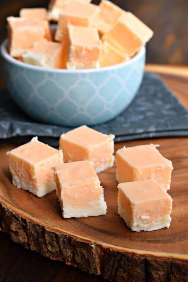 Orange Creamsicle Fudge #orangefudge #fudge #christmascandy #creamsicle #dreamsicle #orange #homemadecandy #candy #fudgeshop