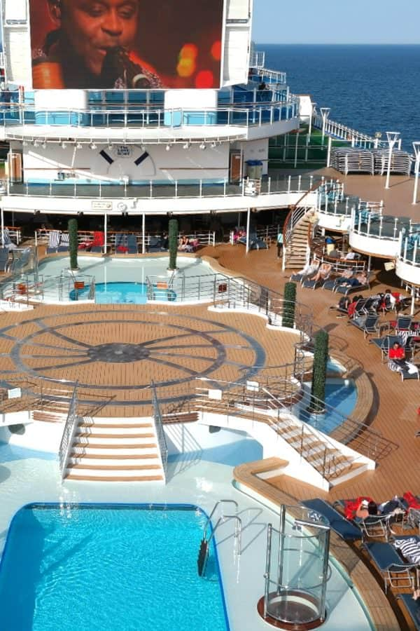 Relax on the deck of the Regal Princess cruise ship