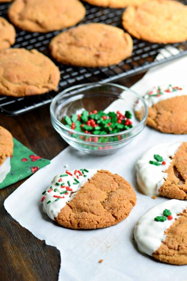 Soft and Chew Gingerdoodle Cookies. A cross between a gingerbread and snickerdoodle #christmas