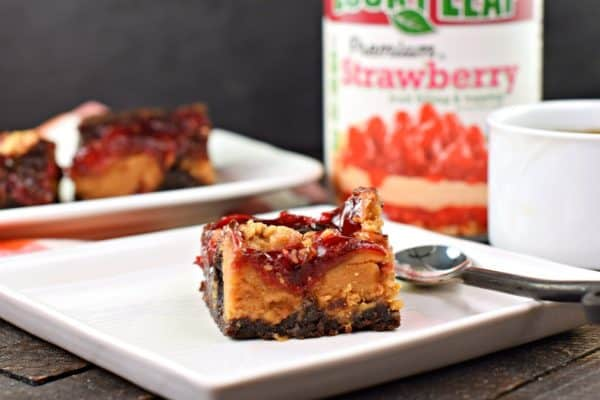 Peanut Butter and Jelly Brownies #luckyleaf #piefilling #chocolate #brownies #peanutbutter #jelly #sponsored