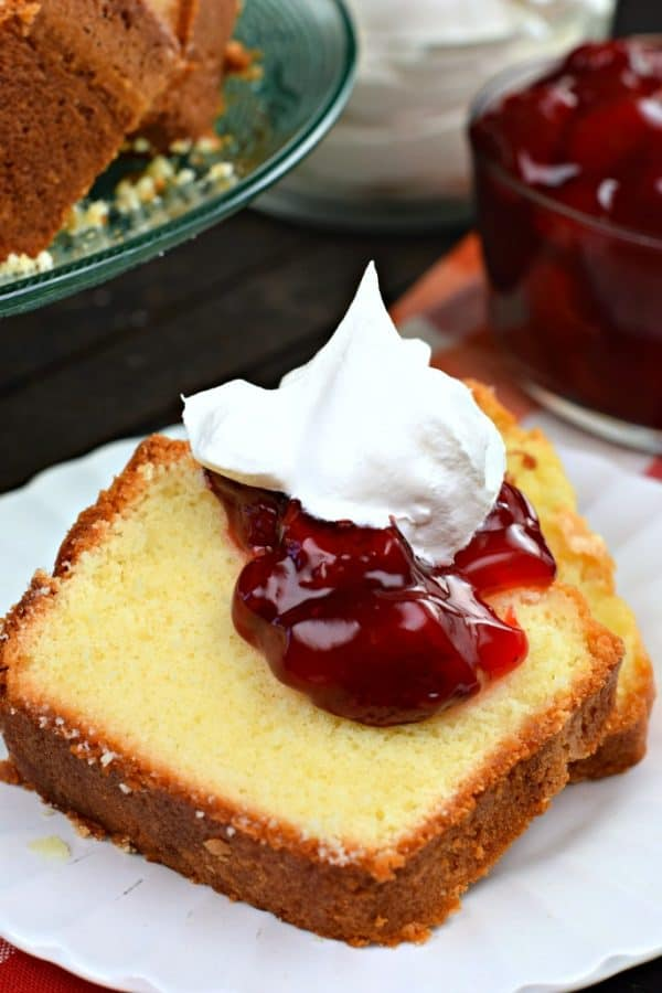 Classic, old fashioned, 7 Up Pound Cake recipe #cake #poundcake #dessert #southernfood #cakerecipe