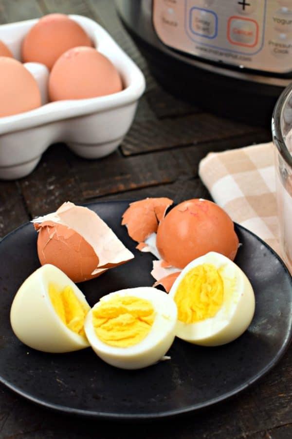 Perfect #instantpot Hard Boiled Eggs #pressurecooker #hardboiled #eggs #555method