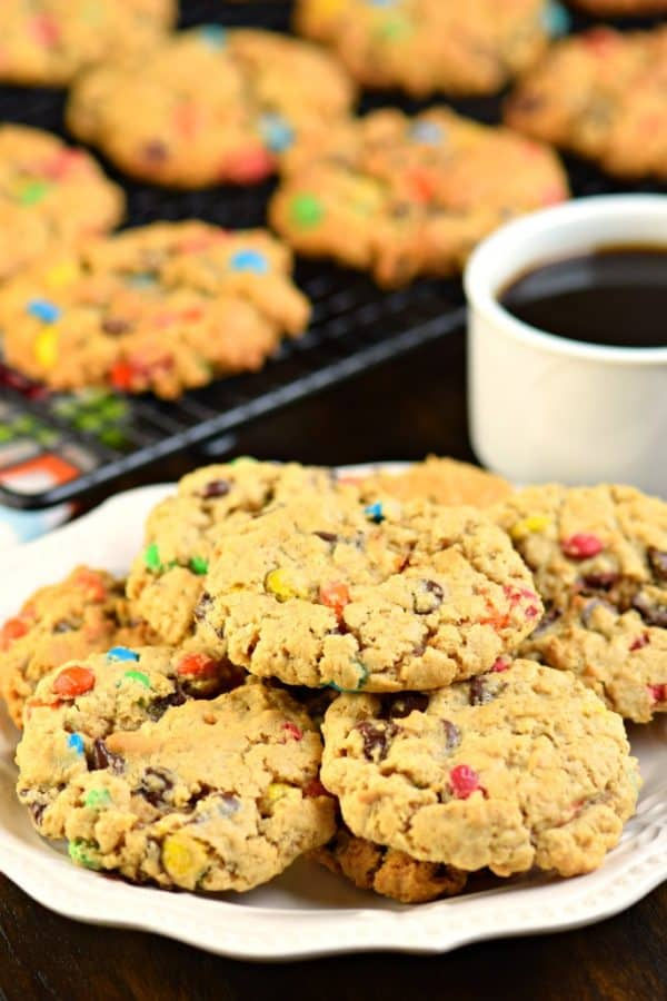 Monster Cookies: peanut butter oatmeal cookies packed with chocolate chips and M&M'S #cookies #peanutbutter #oatmeal