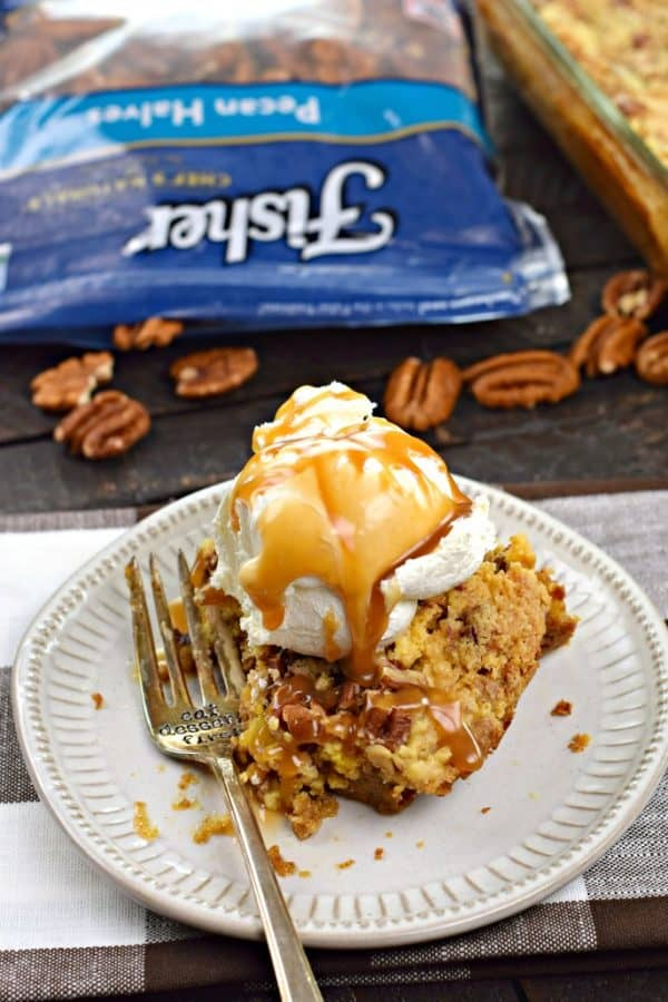 One bite of this Pumpkin Crunch Cake and you'll be smitten. @fishernutsbrand #thinkfisher #ad