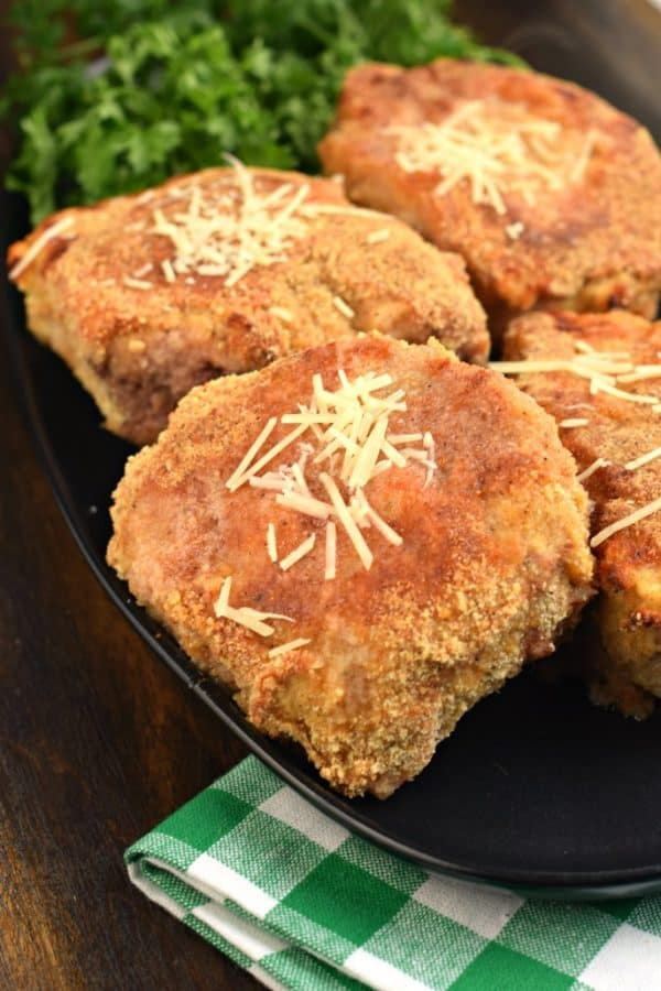 Parmesan crusted pork chops. Oven baked to perfection! #dinnerrecipes