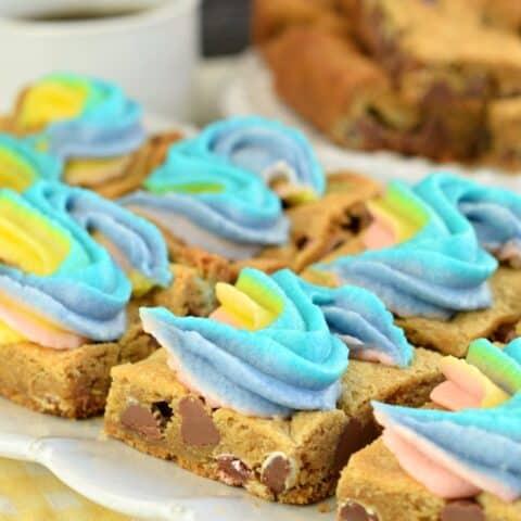 Rainbow M&M'S Cookie Bars Recipe