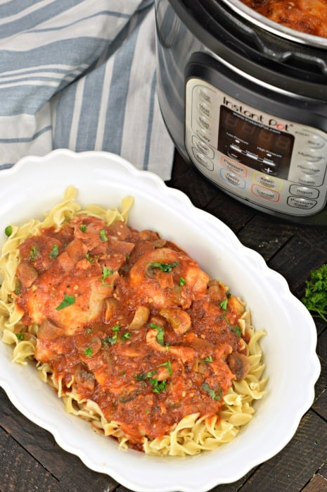 Hearty Chicken Cacciatore Recipe made in the Instant Pot for an easy weeknight dinner. Packed with flavor from tomatoes, mushrooms, chicken, and herbs!