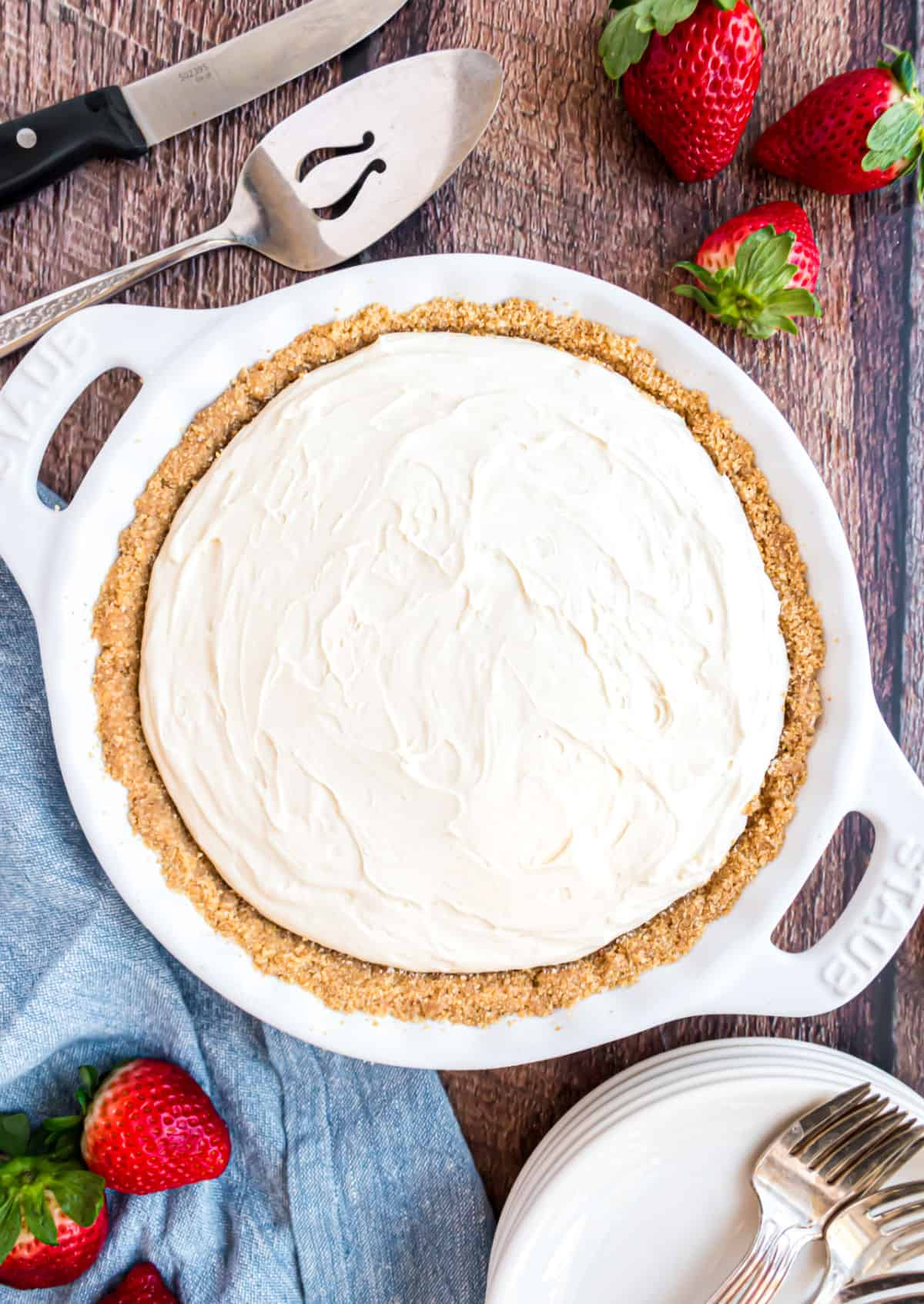 No bake cheesecake in a pie plate.