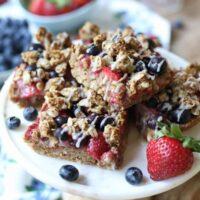 Gluten Free Vegan Patriotic Oatmeal Breakfast Bars | 4th of July & Canada Day